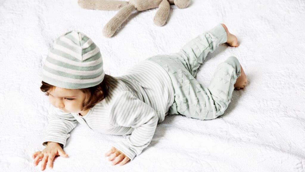 Babyhosen für Mädchen