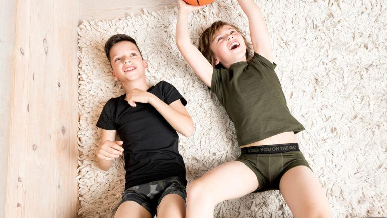 In unterhosen jungen Jungen Unterhosen
